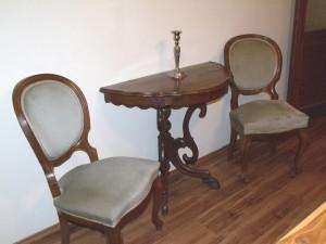 neobarokk-asztal-szekekkel