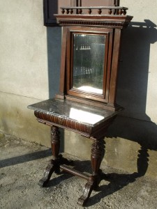 marvanylapos-pipere-asztal-1880-bol
